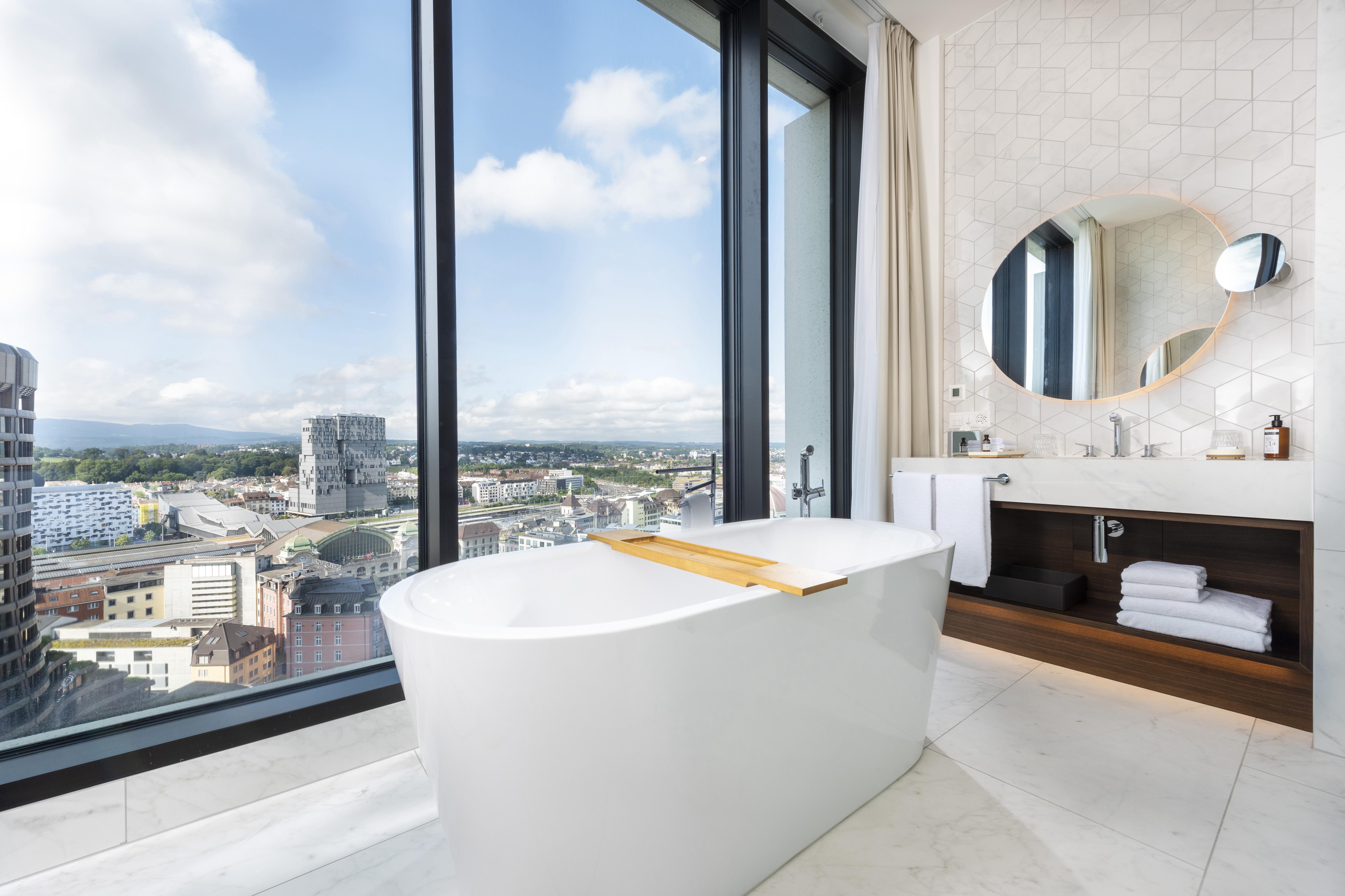 Junior-Suite-Bathroom_0007.JPG#asset:1209